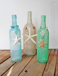 Wine Bottle Beach crafts - 16 Ways to Upcycle Bottles Recycled Wine Bottles, Wine Bottle Corks, Glass Bottle Crafts, Painted Wine Bottles, Diy Bottle, Decorated Bottles, Seashell Crafts, Beach Crafts, Wine Craft