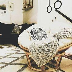 36 Amazing Papasan Chair Design Ideas For Your Living Room Living Room Chairs, Living Room Decor, Bedroom Decor, Dining Chairs, Small Swivel Chair, Double Papasan Chair, Ashley Furniture Chairs, Farmhouse Table Chairs, Chair Cushions