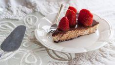 עוגת גבינה, שוקולד ותותים | מתוקים ומאפים – ענבל רובין