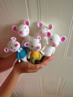 Ravelry: a mouse is born pattern by Uljana Semikrasa