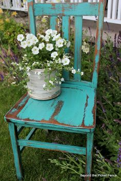 Looking for inspiring garden ideas? Why not try planter ideas made from old chair? Check out these best upcycled chair planter ideas. Distressed Furniture, Shabby Chic Furniture, Rustic Furniture, Outdoor Furniture, Outdoor Decor, Distressed Chair, Rustic Chair, Outdoor Chairs, Painted Chairs
