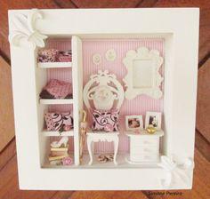 quadro-closet-rosa-e-marrom-cadeira-de-madeira