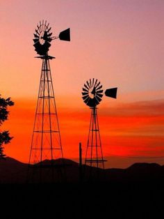 Herringfleet Windmill At Sunrise wallpapers Wallpapers) – Wallpapers Farm Windmill, Blowin' In The Wind, Old Windmills, Country Scenes, Beautiful Sunrise, Simply Beautiful, Old Farm, Le Moulin, Stencil