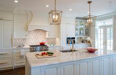 #SarahTurner4JenniferGilmer #KitchenDesign #LuxuryKitchens http://www.gilmerkitchens.com/
