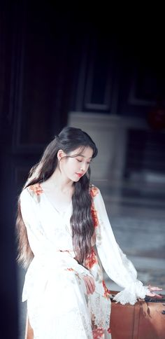 Korean Beauty, Asian Beauty, Iu Twitter, Iu Hair, Moon Hotel, Digital Art Girl, Korean Actresses, Korean Celebrities, Beautiful Asian Girls