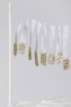 20 DIY Glitter Wedding Theme Ideas & InspirationConfetti Daydreams – Wedding Blog