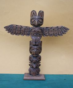 Northwest Coast First Nations native carving Art Old Totem Eagle Bear Great Wolf Wolf Sculpture, Pencil Carving, Totem Poles, Totems, Native Art, First Nations, Pacific Northwest, North West, Nativity