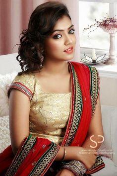 Nazriya Nazim- she is just soooo perfect! Beautiful Girl Indian, Beautiful Saree, Beautiful Indian Actress, Beautiful Ladies, India Beauty, Asian Beauty, South Indian Bride, Indian Celebrities, Indian Beauty Saree