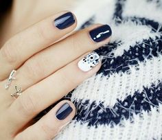 Nail art, blue, white, dots, winter, cold, nail polish, dark blue, idea