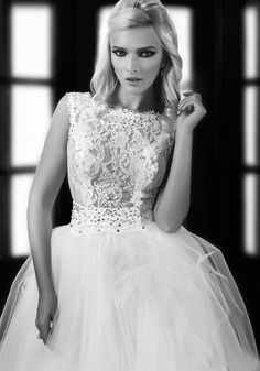 Vestidos de Noiva 2014 Free Shipping White Tull Lace Bridal Wedding Dresses Cap Sleeves Wedding Gowns without Train $189.99