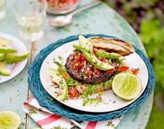 Grill it up veggie style for Independence Day with this awesome recipe from Jamie Oliver! Ingredients: 2 handfuls of rolled oats 2 tbsp salted peanuts 2 x 15oz cans black beans, drained 1 red onion…