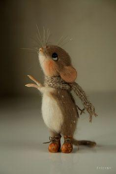 Ох, даже и не знаю, как это объяснить... Вообще, планировался всего один мышь, но меня было не остановить