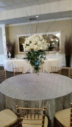 Roma florist 11 Davis st Oakville ct wedding centerpiece