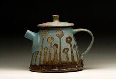 Sarah Dudgeon-Dudgeon Pottery- Must remember to visit, beautiful work. Pottery Teapots, Teapots And Cups, Ceramic Teapots, Porcelain Ceramics, Ceramic Pottery, Pottery Art, Ceramic Art, Porcelain Tiles, Cafetiere