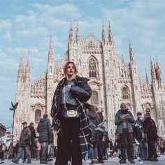Arquitectura Wallpaper, Travel Pictures, Travel Photos, Rivers And Roads, Europe Photos, Milan Italy, Eurotrip, Winter Travel, Strike A Pose