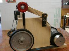 A Woodworker Builds a Belt Grinder