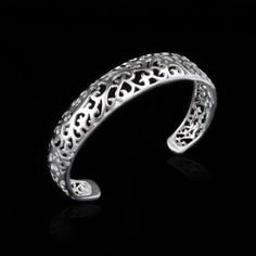 Shopify provides a reliable Ecommerce platform so you focus on selling online! Integrated hosting, shopping cart and Ecommerce payment solution all in one! Bangles, Bracelets, Selling Online, Ecommerce, Antique Jewelry, Silver Plate, Fashion Jewelry, Wedding Rings, Engagement Rings