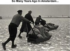 in de strenge winter van 1962 gingen we met de auto het ijs op van het IJsselmeer. Spannend!!