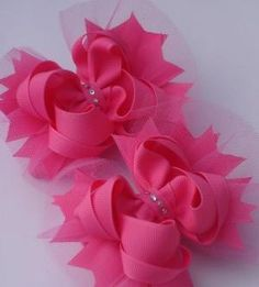 Best selling bows - Hip Girl Boutique Free Hair Bow Instructions--Learn how to make hairbows and hair clips, FREE! Tulle Hair Bows, Hair Ribbons, Diy Hair Bows, Diy Bow, Ribbon Bows, Pink Tulle, Hair Bow Tutorial, Barrettes, Making Hair Bows