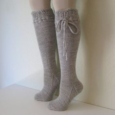 Knitting Knee High Socks. These are adorable. I need to learn how to do this!