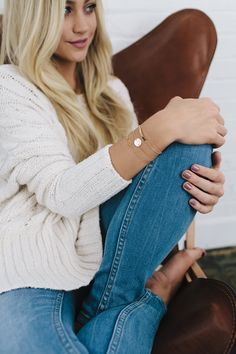 Simple yet flashy. The hammered disc bracelet is a classic bracelet piece appropriate for any occasion. - Select a bracelet size. See our Sizing Chart for bracelet sizing. - This item is custom made.