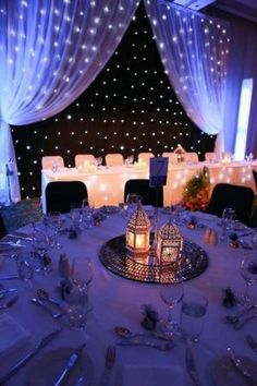 40 Romantic Starry Night Wedding Ideas- 40 Romantische Sternenklare Nacht Hochzeit Ideen Such lights really look like starry sky and make your venue very inviting - Quince Decorations, Indian Wedding Decorations, Wedding Reception Decorations, Wedding Themes, Wedding Centerpieces, Wedding Table, Wedding Ideas, Trendy Wedding, Reception Backdrop