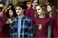 Emma Watson : Son incroyable évolution look au fil des ans ! (Photos)