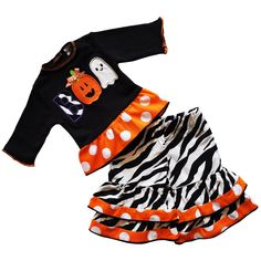 Celebrate Halloween in style with this adorable AnnLoren Halloween doll outfit…