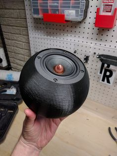 3D printed spherical enclosure for a speaker
