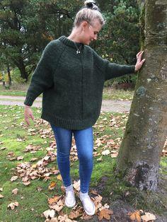 Arvingen designet af Pia Hernø - strikket i Alafosslopi. Perfekt til efteråret.