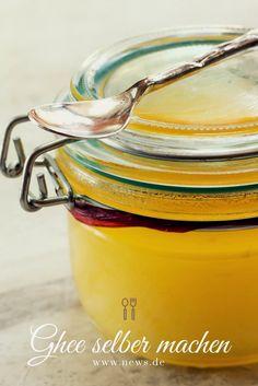 Ghee selber machen - Rezept für ungeklärte Butter Geklärte Butter, Food Trends, Ayurveda, Sandwich Spread, Clarified Butter, Canning, Marmalade, Essen, Larder Storage