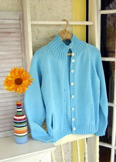 You want to knit something in cotton. How about a classic raglan cardigan? Cotton Cardigan, Knit Cardigan, Summer Cardigan, Pocket Pattern, Knit Picks, Cardigan Pattern, Cardigan Fashion, Cardigans For Women, Latest Fashion Trends