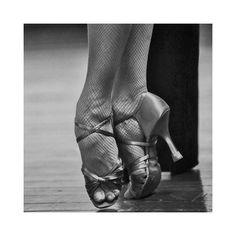 You think ballet feet hurt? Try dancing backwards for 6 hours a day in 3 inch heels! Dance Like No One Is Watching, Just Dance, Dance Photos, Dance Pictures, Zumba, Latino Americano, Ballet Feet, Dancers Feet, Latin Dance Shoes