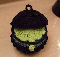 Clamshell Facial Scrubbie Gift Set. Free_pattern for scrubbies & the little trinket pot.