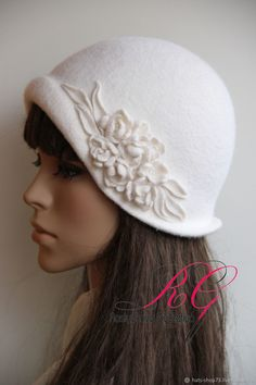 Make Your Own Hat, British Hats, 1920s Hats, Hat Patterns To Sew, Tea Party Hats, Pin Up Outfits, Fancy Hats, Wedding Hats, Handmade Felt