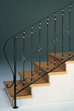 Staircase Design Modern, Staircase Railing Design, Interior Stair Railing, Metal Stair Railing, Staircase Handrail, Balcony Railing Design, Iron Staircase, Wrought Iron Stairs, Stair Decor