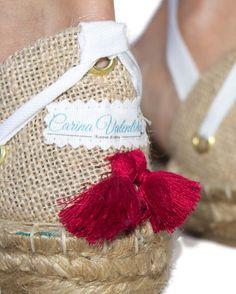 Detalles!!!🌟🌟🌟 , conoce todas las espardeñas en www.carinavalentina.com #firmadebolsos #mochilas #bolsos #bolsodemano #bolsosdelujo #carterademano #clutch #bohochic #newcolletion #luxury #lujo #elegant #mujer #style #bolsosartesanos #artesania #diseñadoradebolsos #diseñadora #diseñadoravalenciana #modafemenina #bolsosdediseño #valencia #espardeñas #madeinspain #coloresfofi #handmade #carinavalentina #inatrendytown