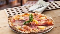 ¡Vivan los #martes de pizza! Te animamos a degustar nuestra #Pizza Piemontese, con #tomate, #mozzarella, #jamón york, #piña y #speck http://www.latagliatella.es/menu/le-pizze-pizzas/