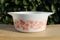 1 1/2 Quart Gooseberry Pyrex Casserole Dish by LovejoyEstate, 15.00