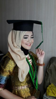 Graduation make up & hijab