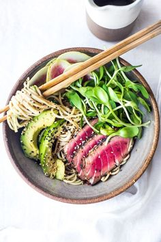 Zen Noodle Bowl- loaded up with fresh seasonal veggies and a delicious Ponzu Dressing, this healthy bowl can be made with seared ahi tuna or sesame ginger tofu. Vegan and Grain-free adaptable!  . . #eco #green #natural #ecobynaty #environment #farmtotable