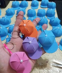 80 beautiful ideas to copy and tutorials - Birthday FM : Home of Birtday Inspirations, Wishes, DIY, Music & Ideas Foam Crafts, Diy And Crafts, Paper Crafts, Diy For Kids, Crafts For Kids, Baby Shawer, Father's Day Diy, Goodie Bags, Baby Shower Favors
