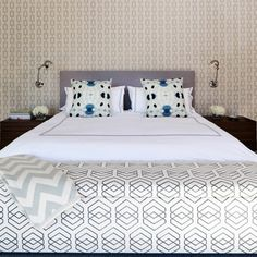 Symetrical design with squared upholstered bedhead,