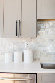 Modern Kitchen Interior Remodeling Kristin Corrigan's Home is The Definition of Blissful Home Decor Kitchen, Kitchen And Bath, Kitchen Interior, Home Kitchens, Kitchen Ideas, Diy Kitchen, Kitchen Sink, Decorating Kitchen, Grey Kitchens