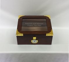 Engraved Glass Humidor High End Cigar Box, Wedding gift, Groomsmen Gift, Best Man Gift, Wedding Party Gift, Personalized Humidor Grooms Gift