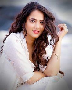 "Anushka Shetty on Instagram: ""#AnushkaShetty #Anushka #pranushka #pranushkalovers #prabhas #ranadaggubati #ranadaggubatioffl #Rebelstar #bhaagamathie #bhaagamathie…"""