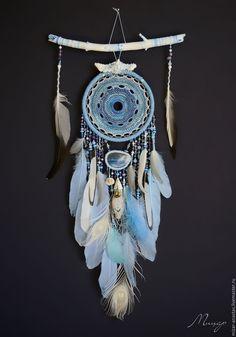Dreamcatcher Wallpaper, Crochet Dreamcatcher, Dream Catcher Decor, Dream Catcher Art, Diy Dream Catcher Tutorial, Crafts To Make, Diy Crafts, Indian Arts And Crafts, Dream Catcher Native American