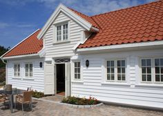 SKIPPERHUS - 6 PERS - Skudeviga Feriesenter Tiles, Garage Doors, Windows, Outdoor Decor, Summer, House, Home Decor, Room Tiles, Summer Time
