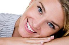 Σύμμαχος της νεανικής εμφάνισης τα λευκά δόντια