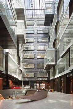 Atrium in Triton Court (London, Great Britain) / Atrium w Triton Court (Londyn, Wielka Brytania). London Architecture, Stairs Architecture, Interior Architecture, Atrium Design, Diy Garden Decor, Commercial Design, Office Interiors, Building, Lobbies